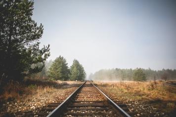 railroad-865118_1920