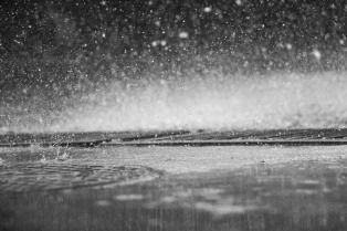 rain-863339_1920
