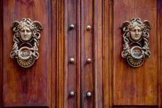 door-3731897_1280